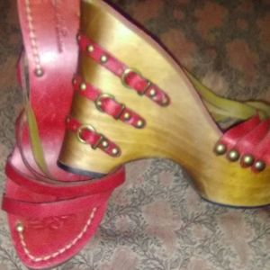 Diego ai lucca size 7 red sandals